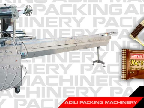 Cake packing machine